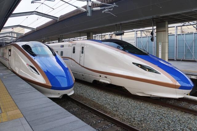 2台の北陸新幹線