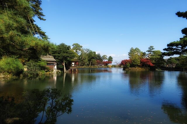 金沢兼六園の霞ヶ池