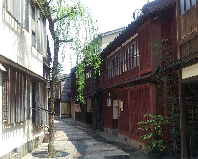 ひがし茶屋街の小道