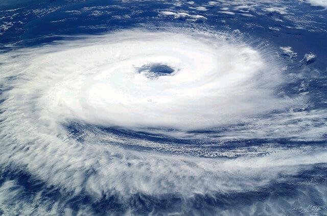 空から見た巨大な台風