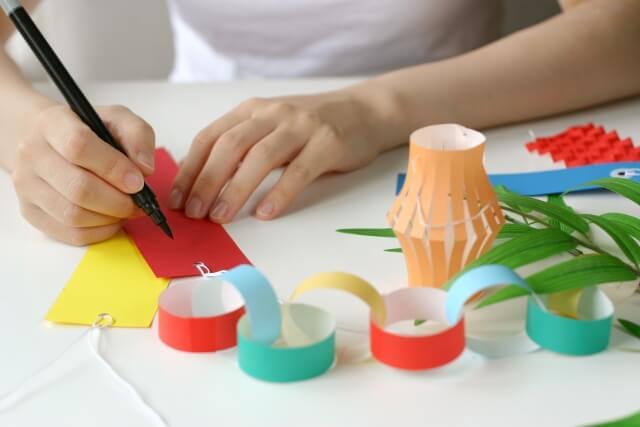 七夕飾りを折り紙で作る