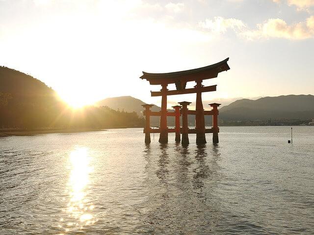 厳島神社の鳥居