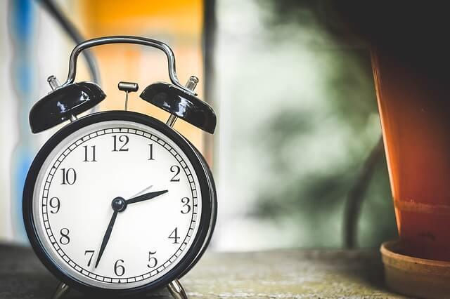 黒い置き時計