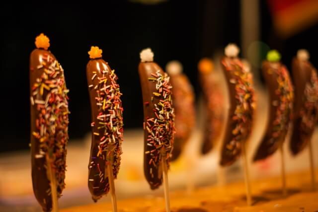お祭りの屋台のチョコバナナ